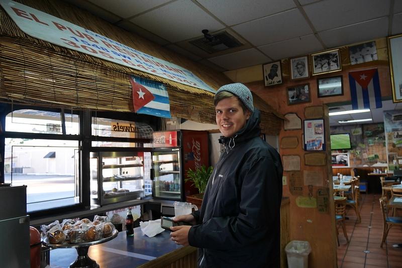 Little Havanassa Kuubalaisella aamupalalla