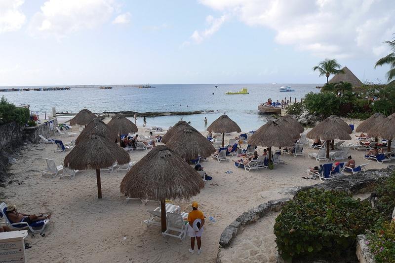Cozumel tunnetaan beach resort ja snorklauskohteena.