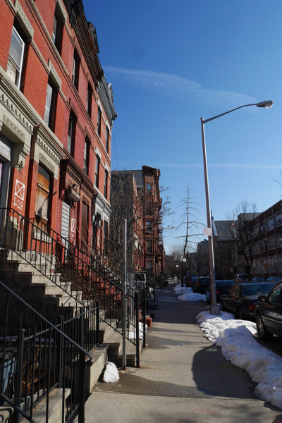 Meidän New Yorkin kotitalo ja kotikatu Harlemissa by hannajamikko