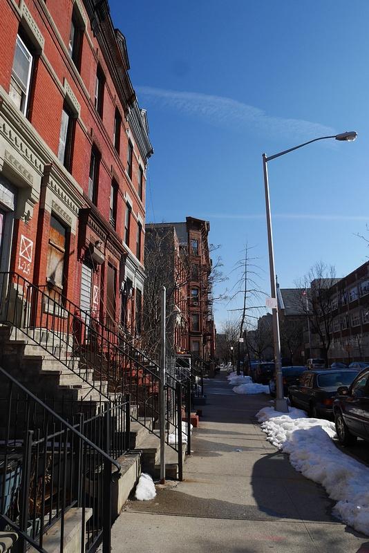 Meidän New Yorkin kotitalo ja kotikatu Harlemissa