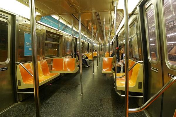 Subway kerrankin tyhjänä by hannajamikko