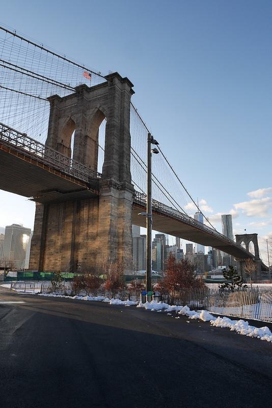 Vuonna 1884 sillan yli kävelytettiin 21 elefanttia todistaakseen sillan kestävyys