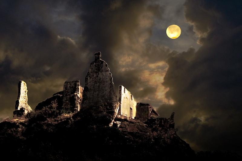 moonlight Ruins 10x12.