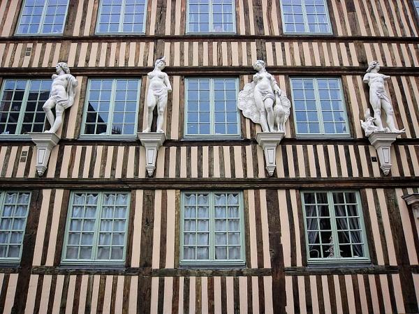 à Rouen by BaronMingus