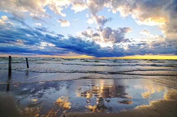 Sauble Beach, ON by BaronMingus
