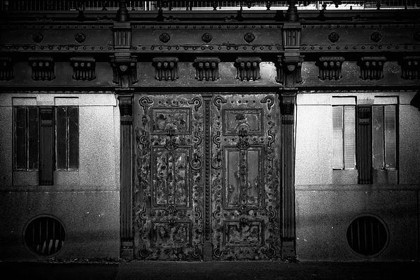1000_Door_1_BW by -Ashen-