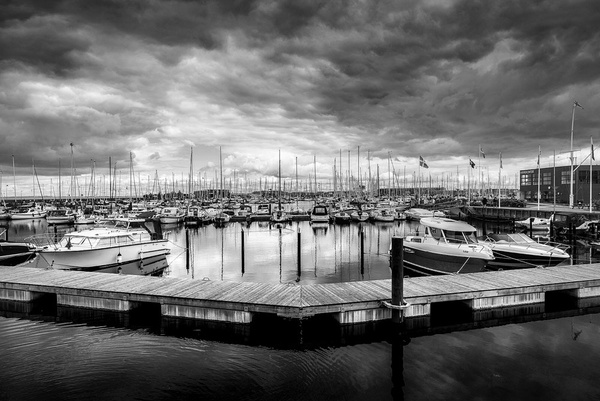 1000_Nordhavn_Port_4_BW by -Ashen-