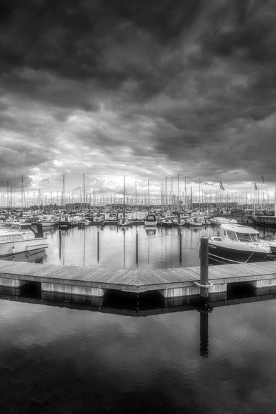 1000_Nordhavn_Port_5_BW by -Ashen-