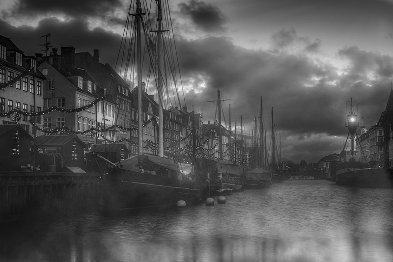 1000_Nyhavn_fog_BW_sRGB-1