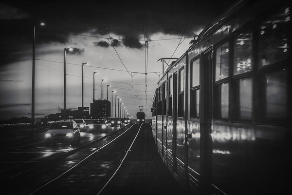 1000_Vehicle_Villamos_1_BW by -Ashen-
