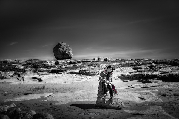 Alone on the Moon by -Ashen-