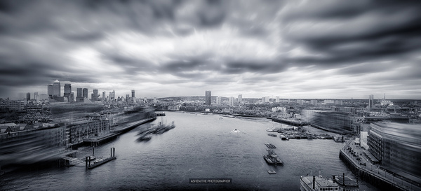 London_HDR_BW_Pano by -Ashen-