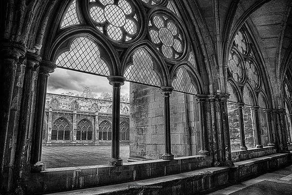 Windows by -Ashen-