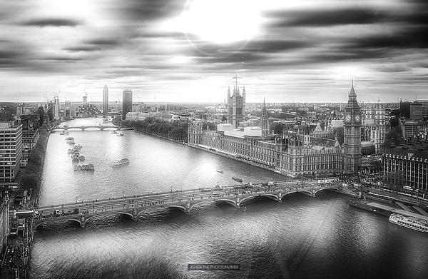 London_LenasFlare by -Ashen-