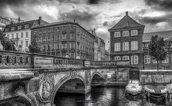 Copenhagen_BW_01 by -Ashen-