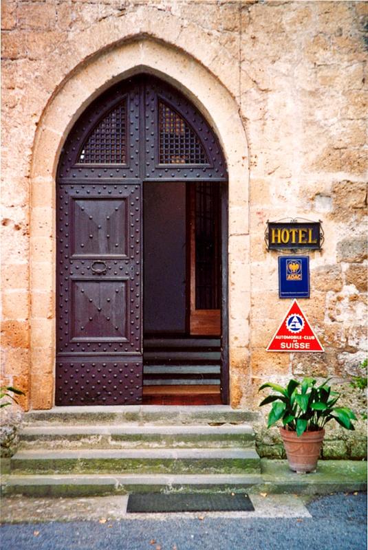 La Badia Entry