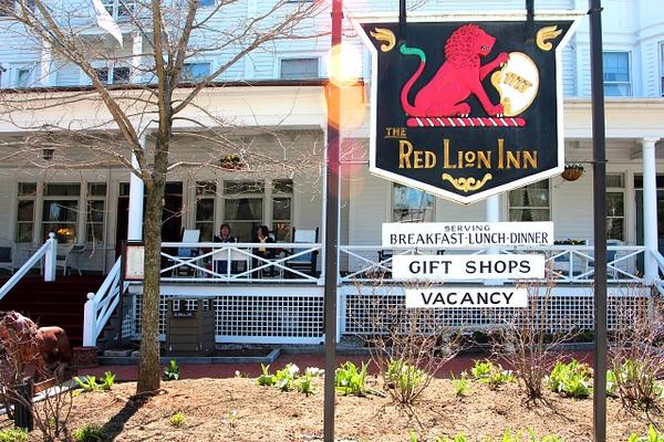 Red Lion 1 by James Bickler
