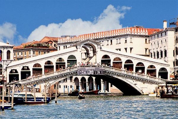 Rialto Bridge A_pe_pe by James Bickler