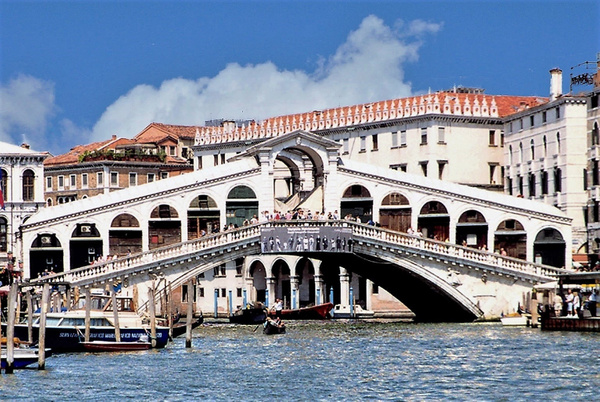 Rialto Bridge A_pe_pe by James Bickler