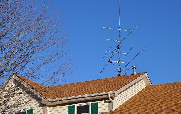 N9TF antennas 12 2104 from the street by GeneGabry