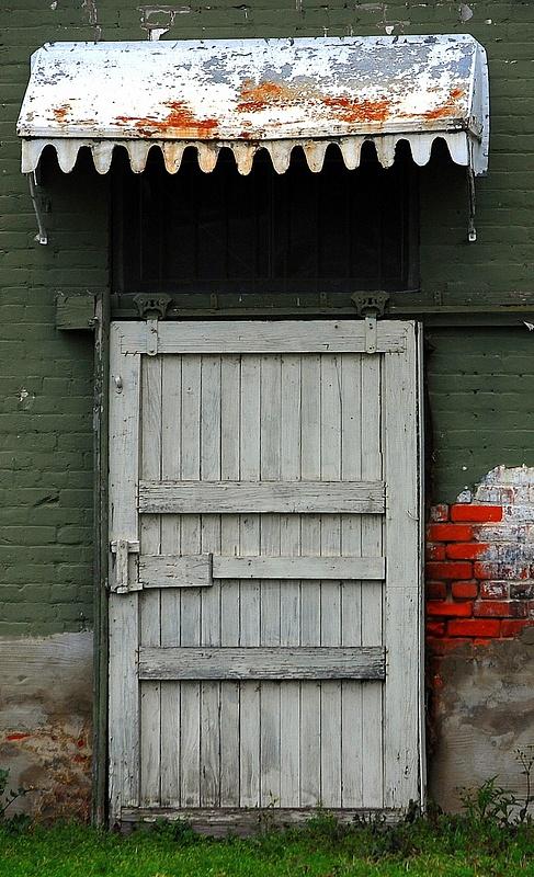 Cotton_Factor_Door