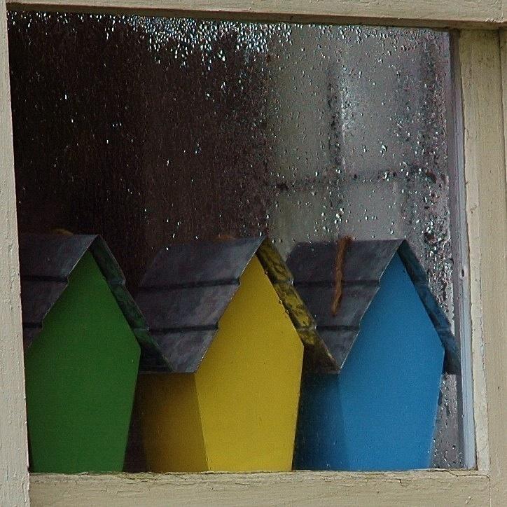 Under_Wet_Glass