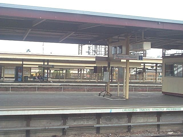 other platform at Spencer st by AndrewTaylor