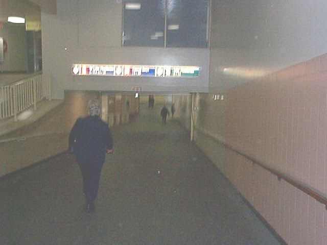 tunnel in station