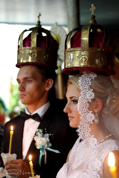 Ira & Roma Wedding, Moldova by Sylwia Nowak