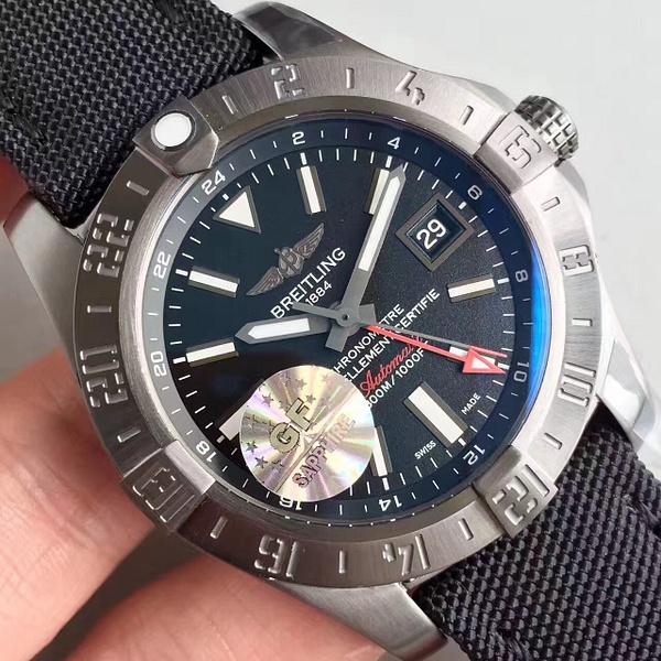 BREITLING AVENGER II GMT (GF)