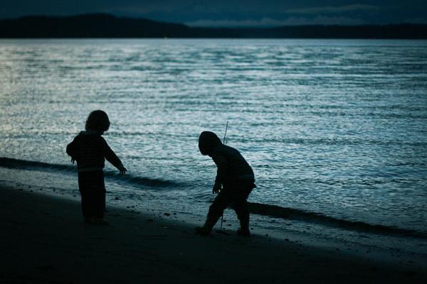 dusk beach by LeslieElliott