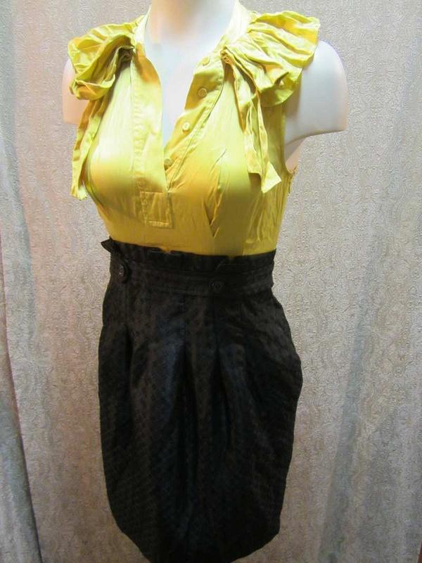 R-04 Robe BCBG (taille 0/ XS) 40$