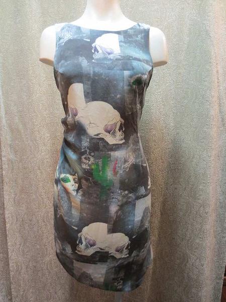 R-06 Robe en soie (taille S) 45$ by Mamzelle M.