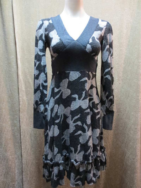 R-12 Robe Coco & Tashi (taille S) 45$ by Mamzelle M.