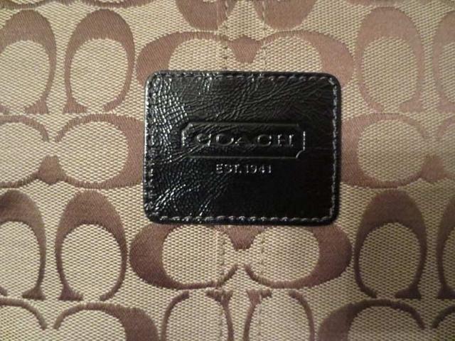 S-01 Sac COACH authentique (taille : 18 po par 10 po approx.) 65 $