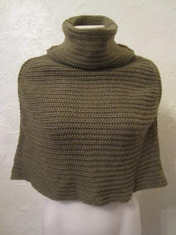 HSM-01 Poncho en tricot (taille unique) 10$