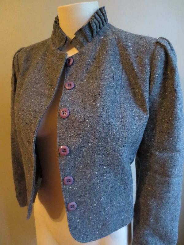V-10 Veste en lainage look vintage (taille S/M) 25 $