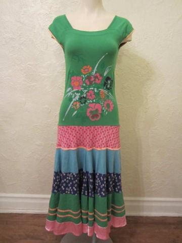 R-18 Robe longue colorée (taille M) 45 $