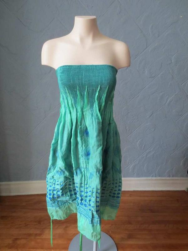 R-19 Robe verte extensible Lapis (taille unique) 35 $