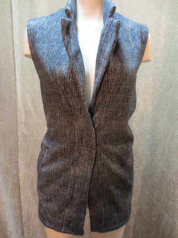 TY-02 Veste sans manches Lululemon (taille 2) 65 $ by Mamzelle M.