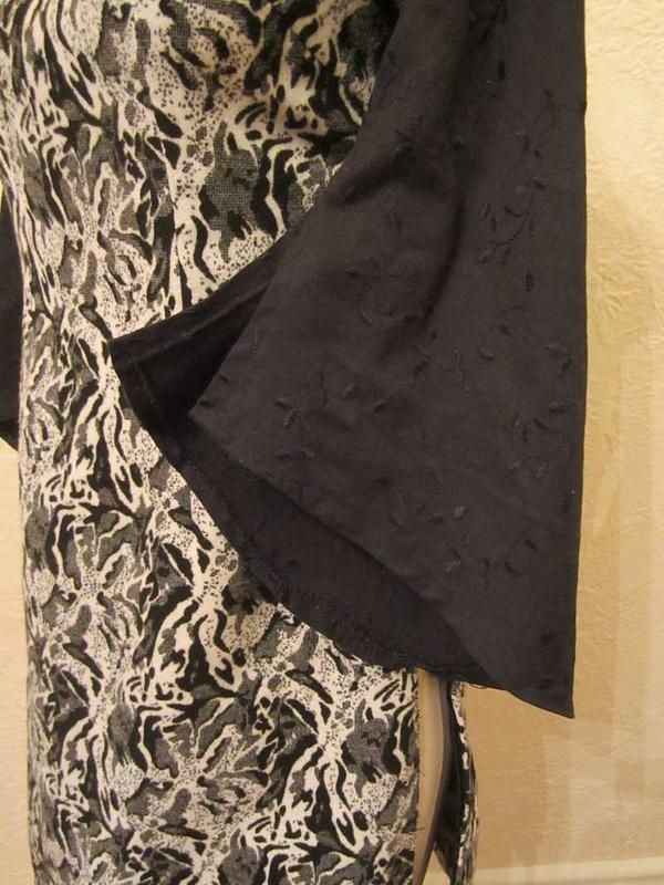 R-25 Robe stule asiatique (taille S) 45 $