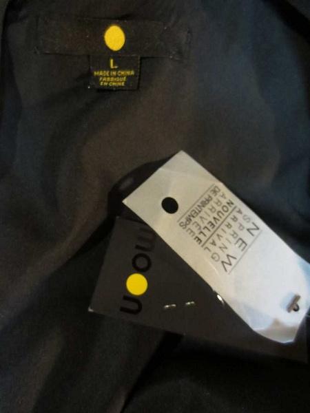 R-35 Robe noire neuve (taille L) 25$ by Mamzelle M.