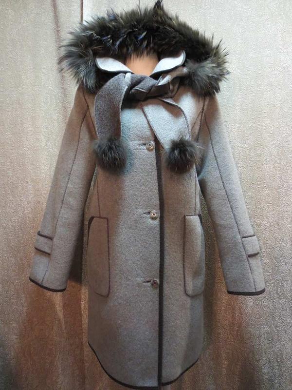 M-17 Manteau Epsilon avec capuchon et foulard intégrés en poil de renard(taille XS, mais fait S/M) 95$