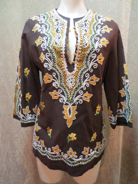 HML-08 Haut vintage brodé (taille S) 25 $ by Mamzelle M.