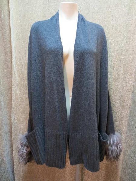 V-25 Veste en cashmere et véritable fourrure Michael Kors (taille L) 95 $ by Mamzelle M.