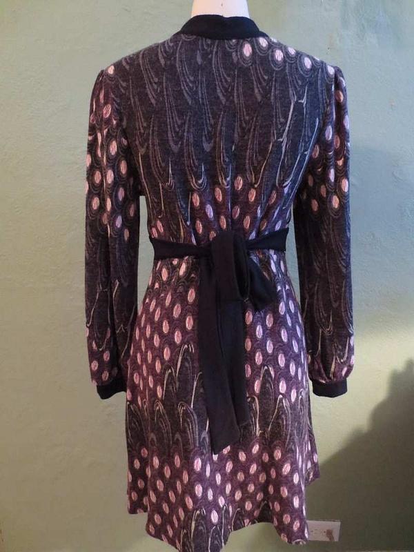 R-40 Robe en lainage Coco&Tashi (taille M) 45$