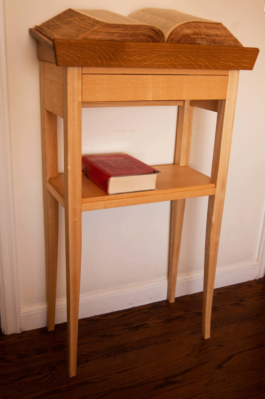 Dictionary Stand