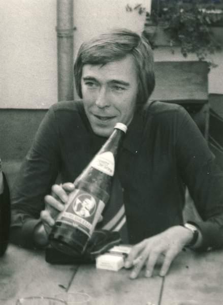 1977 L2