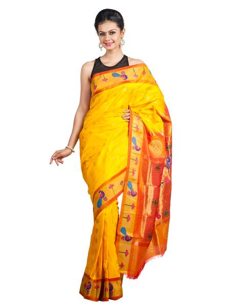 Peacock_border_paithani_saree