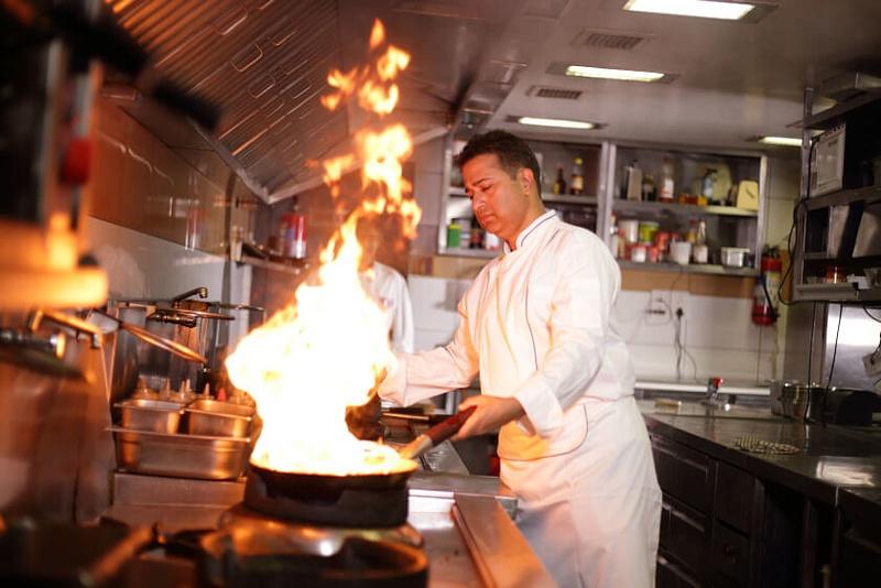 Seasoning-a-new-wok